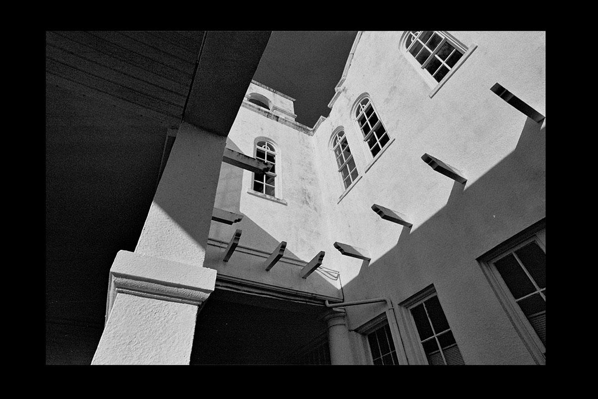 courtyard1200